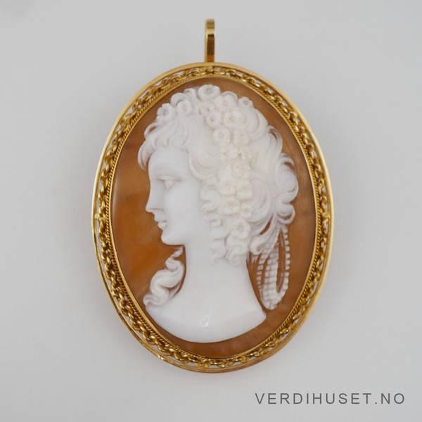 Bilde av Brosje/Anheng i 18 K gull med kamee