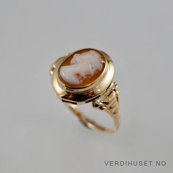 Bilde av Ring i 14 K gull med kamee