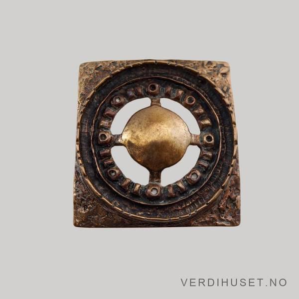Bilde av Anheng eller brosje i bronse - Unn Tangerud,