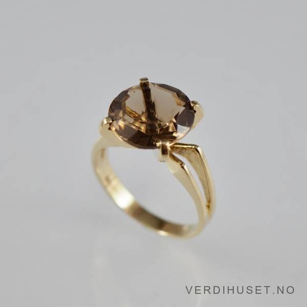 Bilde av Ring i 14 K gull med brun sten