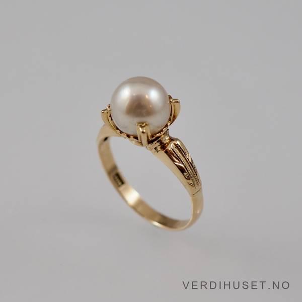 Bilde av Ring i 18 K gull med perle