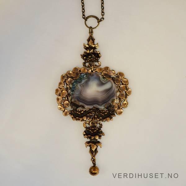 Bilde av Kraftig halssmykke i bronse med agat