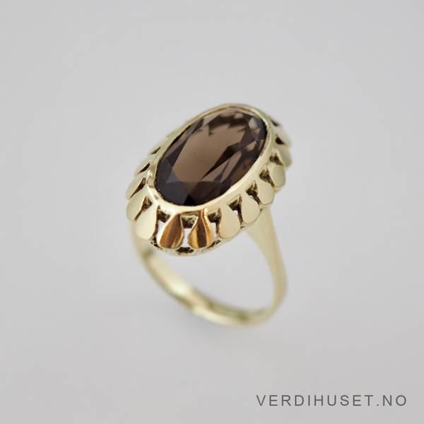 Bilde av Ring i 14 K gull med røyk kvarts