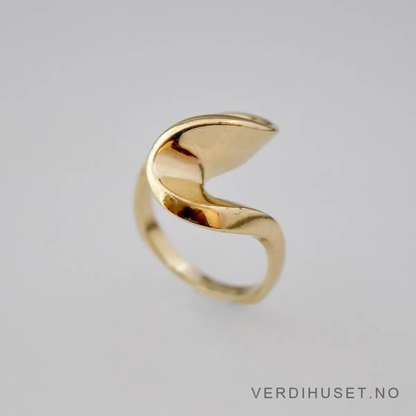 Bilde av Ring i 14 K gull