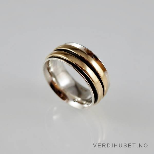 Bilde av Ring i sølv og 14 K gull