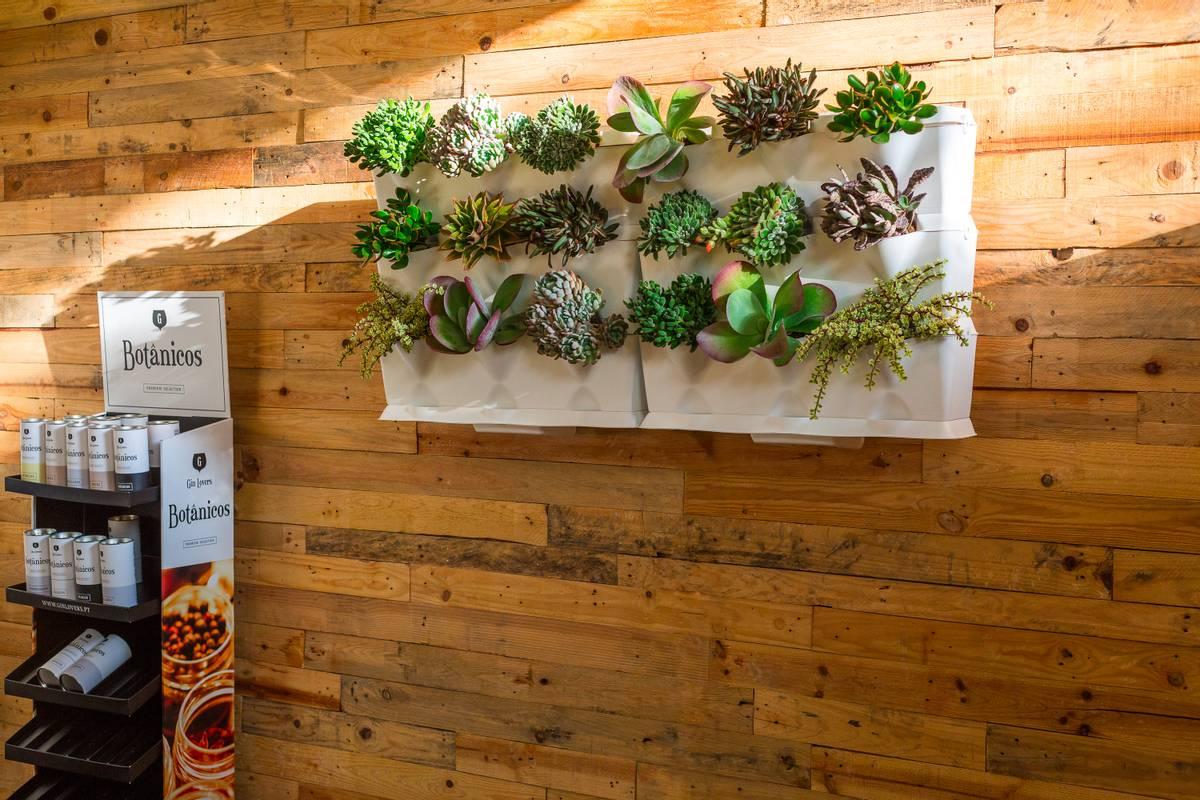 Minigarden Vertical, 9 planter - TV2;