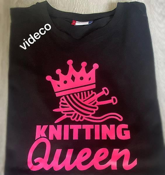 T-shirt , Knitting Queen