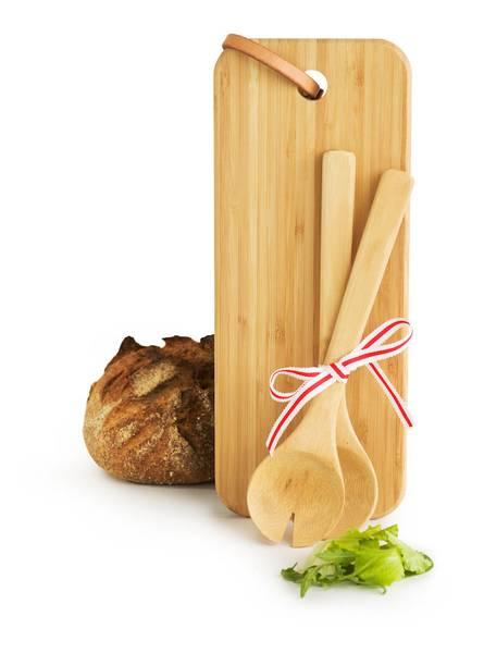 serveringsfjøl og serveringsbestikk i bambus