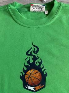 Bilde av T-shirt- basketball i flamme