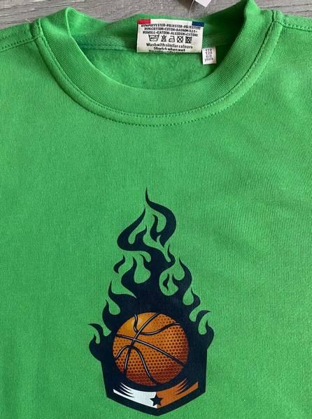 T-shirt- basketball i flamme