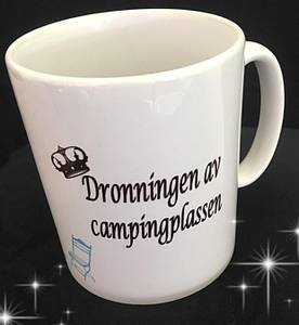 Bilde av Kopp- Dronningen av campingplassen m/ tekst og motiv