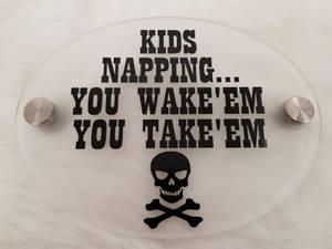 Bilde av Acryl skilt - Kids napping