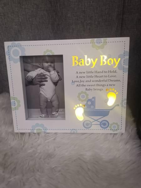 Babyramme gutt HVIT / BLÅ | 10x15 med LED lys