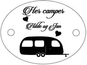 Bilde av Acryl skilt - Her camper