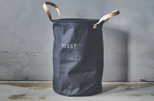 Resirkulering sort PLAST 35x54cm.