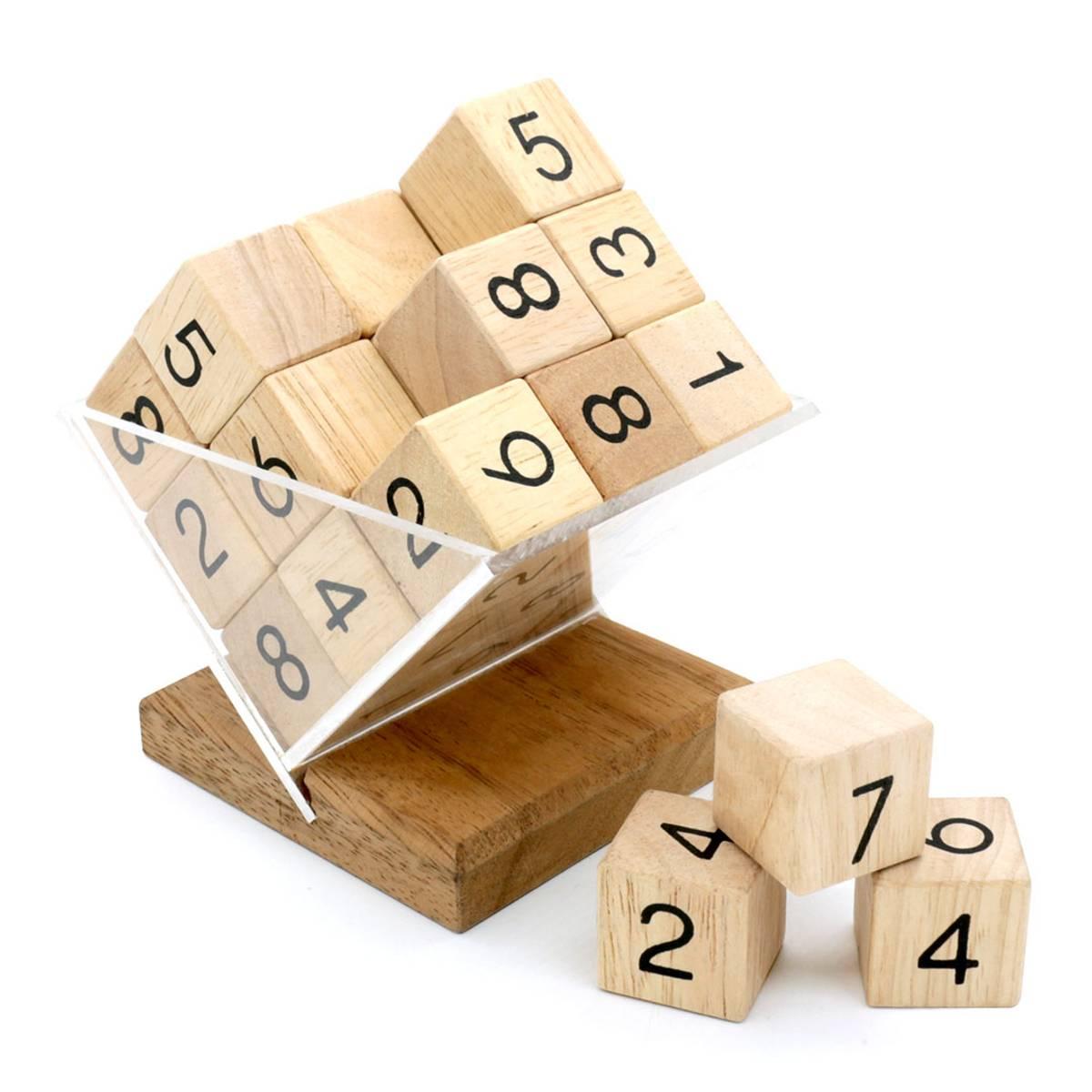 Sudoku kube i tre IQ-nøtt