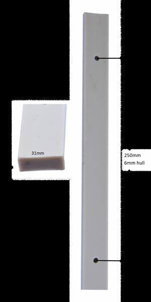 Bilde av Lekt i PVC 6mm hull pr 25cm