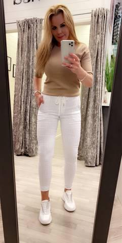 Bilde av Tindra Stripete Bukse Hvit